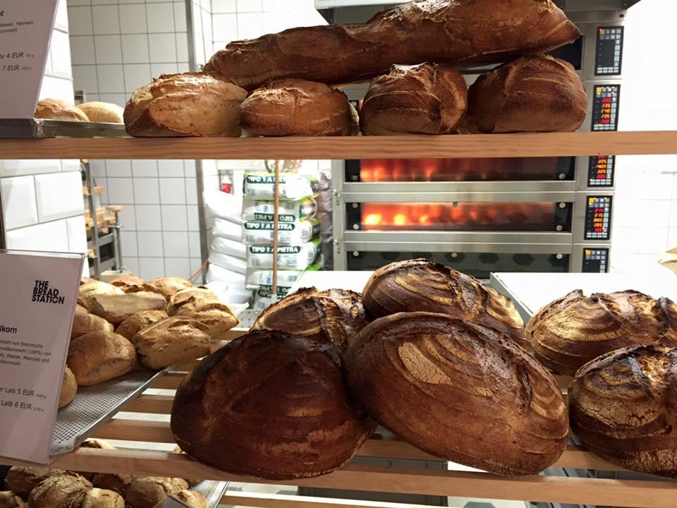 Bread Station Brote 2