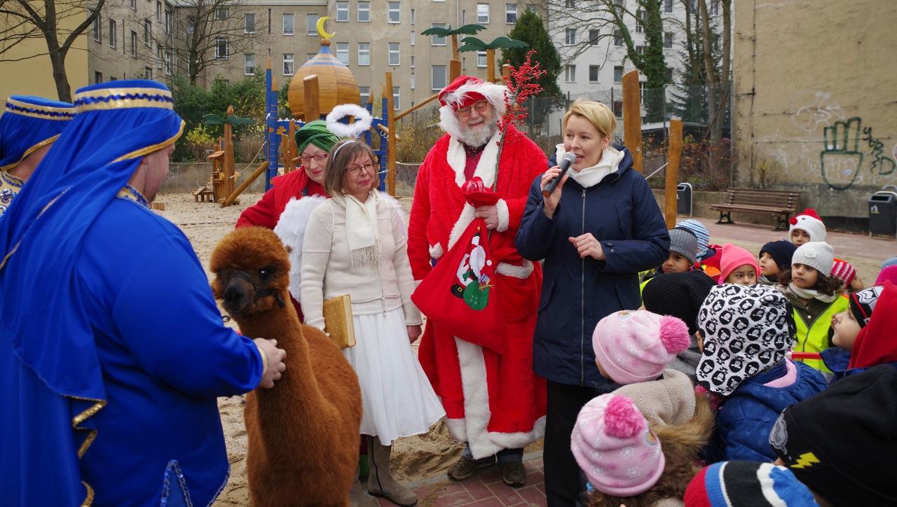 Weihnachtsengel Nikolaus und Bürgermeisterin